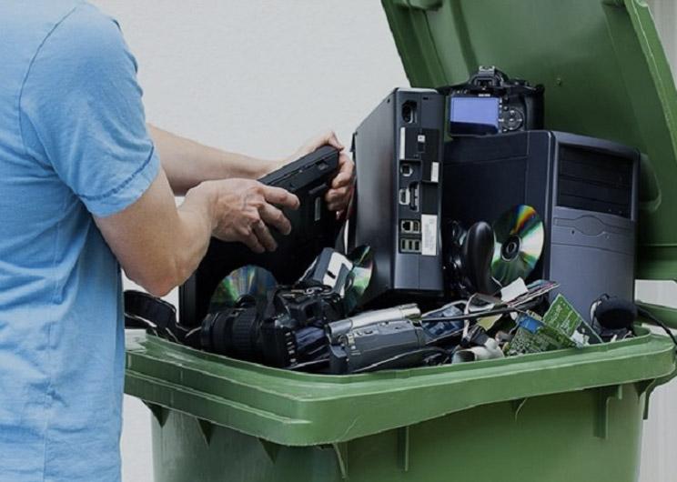 Premian un proyecto para reciclar basura electrónica